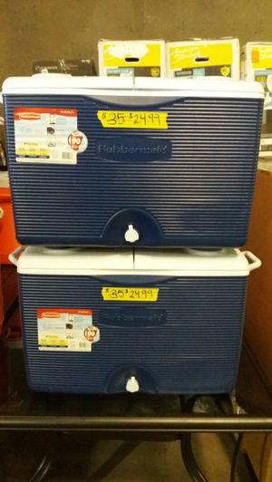 Rubbermaid 60 QT cooler for Sale in Phoenix, AZ