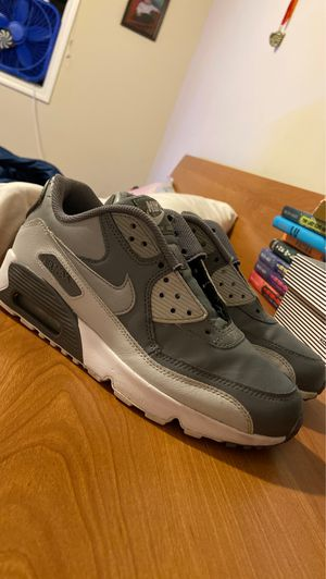 Shoes air max 90 for Sale in Lynnwood, WA