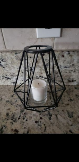 Metal black geometric minimalist decor, perfect condition. Pet and smoke free home. Pick up Oviedo. for Sale in Oviedo, FL