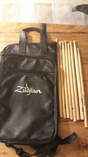 Zildjian drum stick bag with eight drumsticks for Sale in Irvine, CA