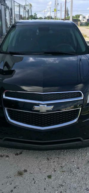 2011 Chevy. Equinox. $5900 for Sale in Miami, FL
