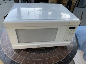 Microwave 40 for Sale in Whittier, CA