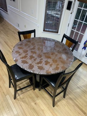 Bar height breakfast table and chairs for Sale in Marlboro Township, NJ