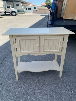 Accent table for Sale in North Las Vegas, NV