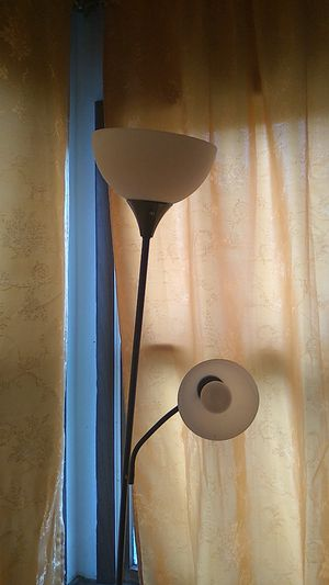 Floor lamp for Sale in Woodbridge Township, NJ