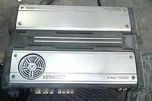 2 Kenwood amps for Sale in Lynwood, CA