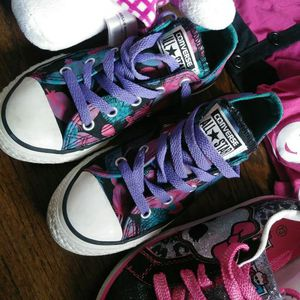 Converses girls tennis for Sale in Baltimore, MD