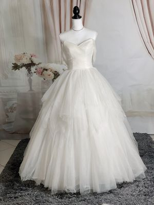 Strapless/off the shoulder with tiered rufflier skirt wedding dress/Quinceanera&Sweet 16 for Sale in Fort Lauderdale, FL