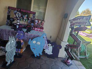 vampirina for Sale in Montclair, CA