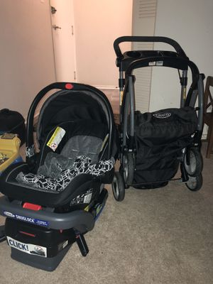 Graco car seat and stroller frame for Sale in Annandale, VA