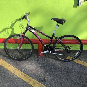 Schwinn Sidewinder Woman's 21 - Speed Mountain Bike 10012286-1 for Sale in Tampa, FL