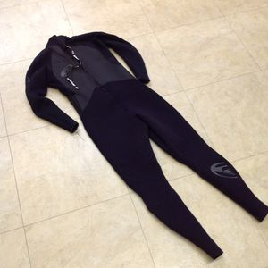 Quicksilver Wet Suit Men's XLS 2/3 for Sale in Chino, CA