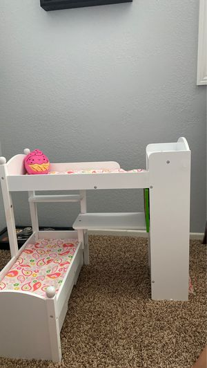 Doll bunk bed! Practically brand new and comes with bedding for Sale in Corona, CA