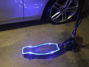 Razor E100 Glow Electric 🛴 scooter $60 for Sale in Frisco, TX