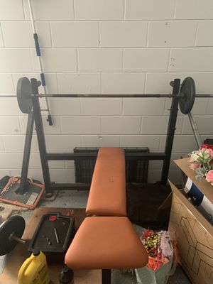 Workout bench/squat rack for Sale in Apopka, FL