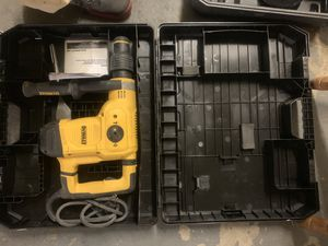 Dewalt chipper hHammer for small duty jobs for Sale in Oakland, CA
