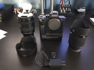 Sony A7 III w/ 2 lens and battery grip for Sale in Orlando, FL