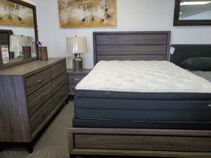 QUEEN BEDROOM SET (RECAMARA) for Sale in Long Beach, CA