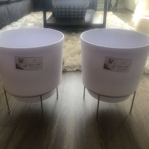 2 White Indoor Plant Pots With Gold Base for Sale in Silver Spring, MD