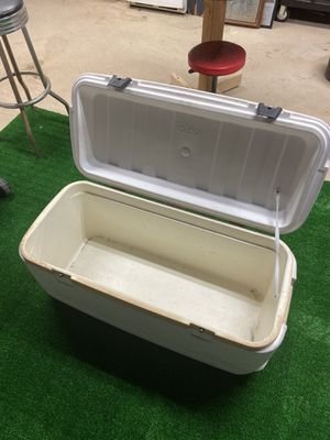 """Large igloo ice chest. 36"""" x 16"""" for Sale in Lakeview, CA"""