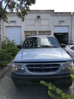 98 Ford Explorer sport for Sale in Miami, FL