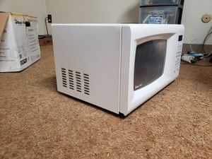 Magic Chef microwave MCM990W for Sale in Detroit, MI