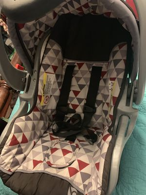 Baby trend car seat and base for Sale in River Ridge, LA