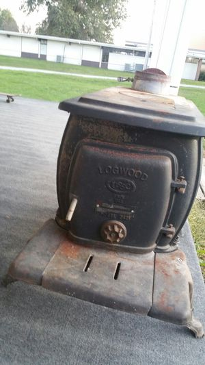 Longwood Stove for Sale in Cameron, MO
