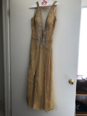 Gold prom dress for Sale in Riverdale, GA