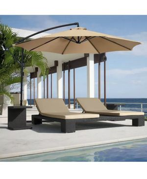 10ft offset patio umbrella for Sale in Los Angeles, CA