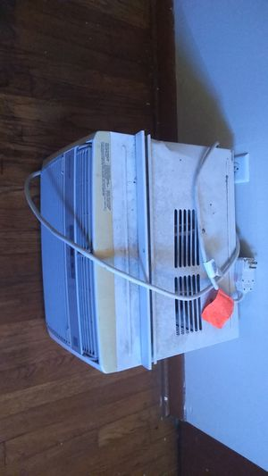 Window unit air conditioner for Sale in Obetz, OH