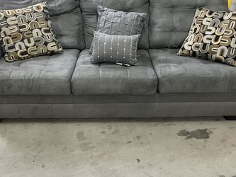 Gray Sofa in Good Condition $225 for Sale in Hawthorne,  CA