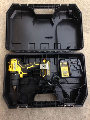 Dewalt 20v atomic drill for Sale in Los Angeles, CA