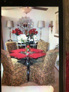 Dining room table and chairs for Sale in Hillsborough, CA