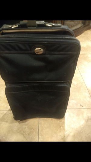 Medium size suitcases perfect condition for Sale in Mesa, AZ