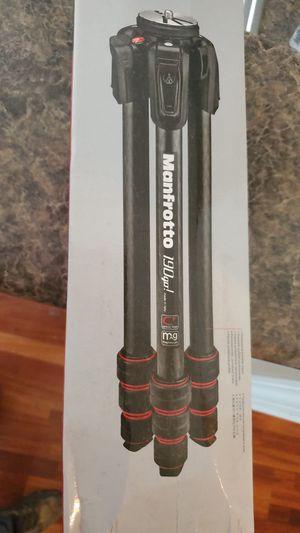 Carbon fiber tripod with twist lock for Sale in Murfreesboro, TN