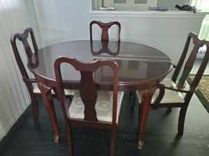 Six chairs dining table for Sale in Westland, MI
