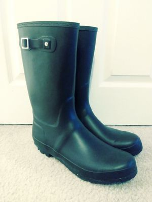 Brand new rubber rain boots for Sale in Clementon, NJ