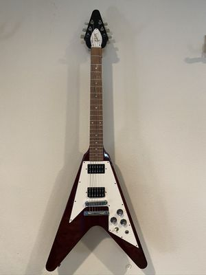 Gibson Flying V 2004 Heritage Cherry Red Gloss With Deluxe SKB Hard Case for Sale in Winchester, CA