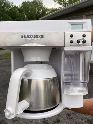 Black and Decker under the cabinet coffee maker for Sale in Latrobe, PA