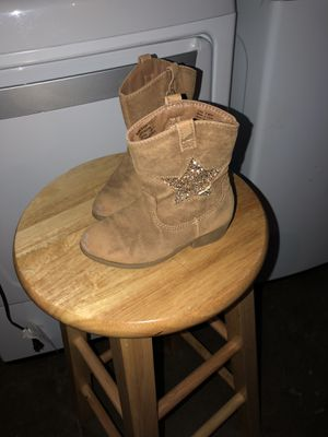 Girls toddler Boots size 9 for Sale in Saint Charles, MO