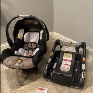 Chicco KeyFit 30 Infant Baby Car Seat Carrier & Snap In Base for Sale in Murfreesboro, TN