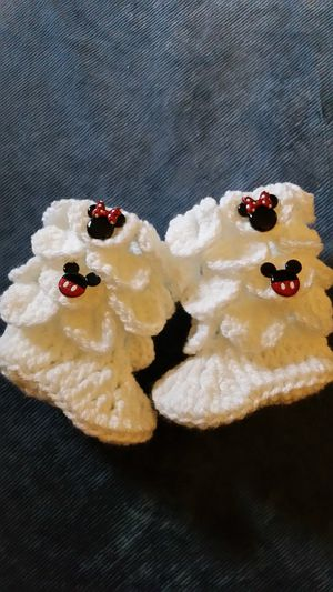 Minnie mouse button booties Disney for Sale in Corona, CA