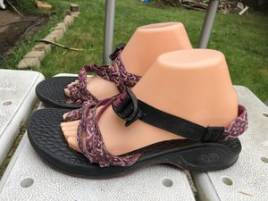 Chaco Pink/Purple Thong Toe Loop Sandals Size W10 for Sale in Kent, WA