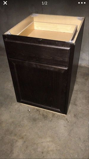 kitchen cabinets shaker style for Sale in Houston, TX