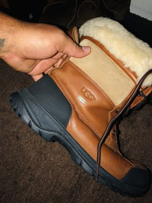UGG men's size 9 original snow boots for Sale in Waldorf, MD
