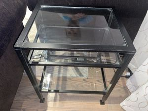 Glass end table for Sale in Vacaville, CA