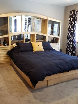 Queen Bedroom Set $450 OBO for Sale in South Brunswick Township,  NJ