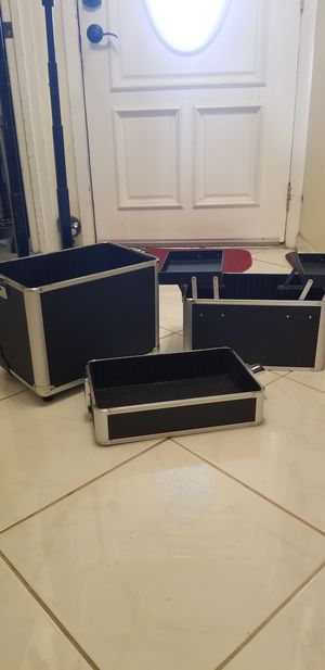 3 Piece a little carry on luggage for Sale in Tampa, FL