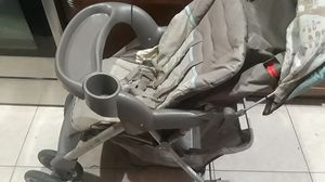Graco carseat and stroller combo for Sale in Fort Pierce, FL